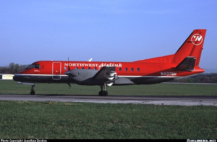 Saab 340A, Northwest Airlink (Express Air), N407BH, cn 340A-078, first flight 26.11.1986 (Bar Harbor Airlines), Express Air delivered 23.4.1991. Foto: Bristol, United States, 19.4.2001.