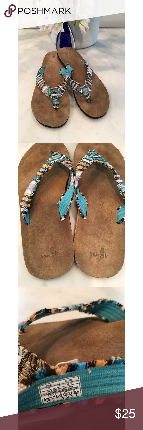 🌴Sanuk Flip Flops Multi Color Textile🌴 Great pair of Sanuk multi color flip flops with a leather footbed. Worn a couple of times at most. Please look at photos. Always from a smoke free home😊 Sanuk Shoes Sandals