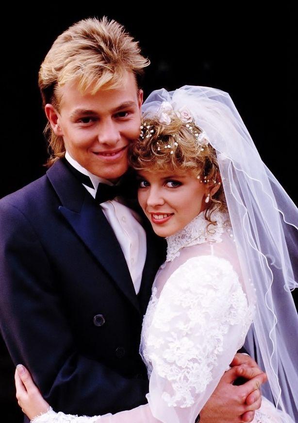 90 best huwelijken in Neighbours images on Pinterest | Soaps ...