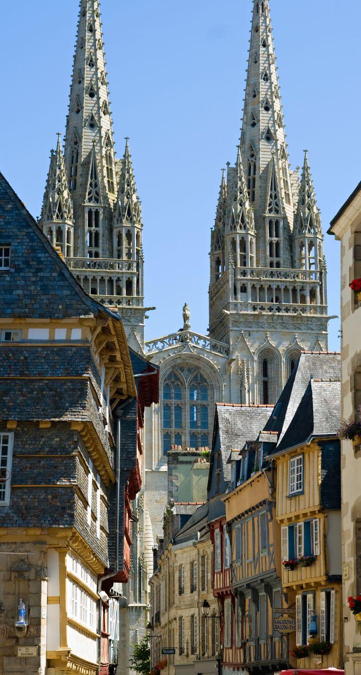 Plongez au coeur de Quimper, charmante cité médiévale... une vue très connue de la ville... | Finistère | Bretagne | #myfinistere