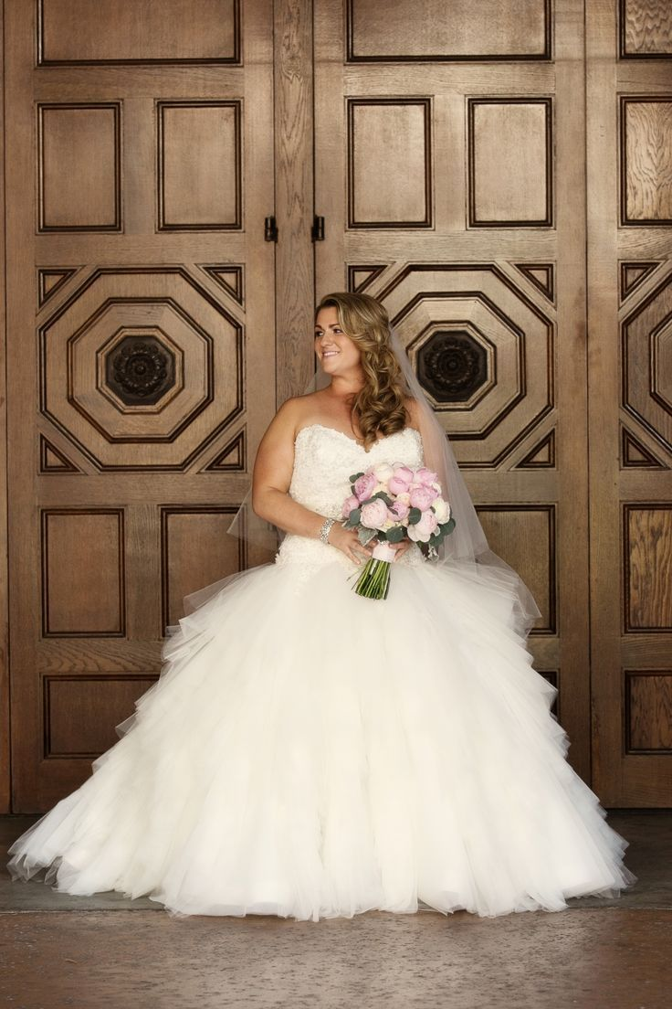 {Real Plus Size Wedding} Blush and Ivory San Diego…