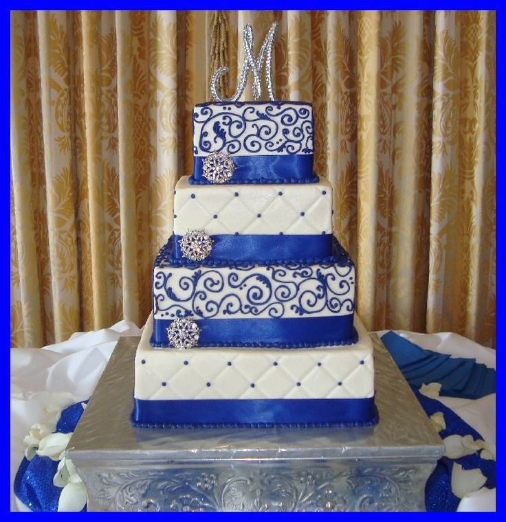 Royal Blue Wedding Cakes | Royal blue squares with bling