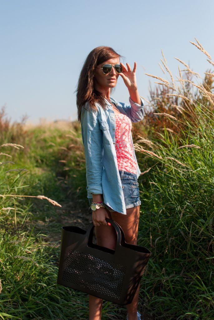 http://shelikesfashion.blogspot.com/2013/07/14072013.html  #polka #bag #moimio #fashion #accessories #summer 2013