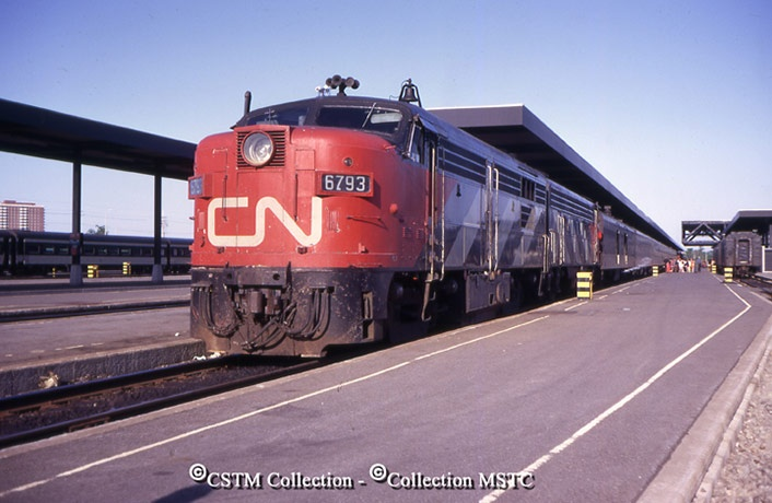 Location: Ottawa New, ON Railway Name: CANADIAN NATIONAL RAILWAYS Date: 1971-00-00 Caption: Continental.