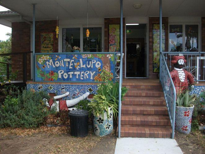 pottery, mosaic,cafe
