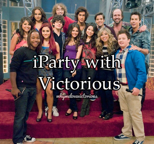 """A pic of Nickolodeon`s -""""ICarly"""", and """"Victorius"""" after the shooting of """"IParty with Victorius""""."""