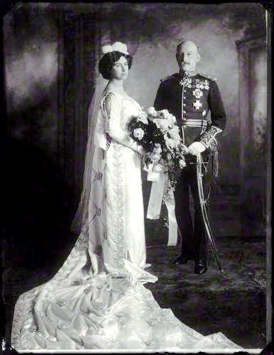 Robert Baden-Powell y Olave Saint Claire Soames se casaron el 30 de octubre de 1912 en la iglesia de San Pedro, en Parkstone, área de Poole, Dorset, muy cerca de Brownsea.