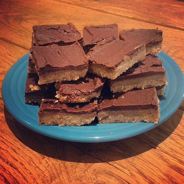Raw vegan millionaires shortbread - Well and Happy