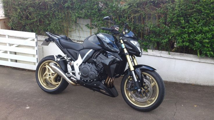 Honda CB1000R With exhaust hydroform HP CORSE and poly26