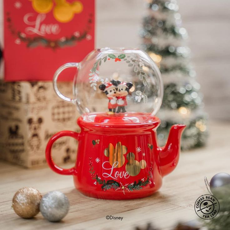 Coffee Bean S Pore Launches Mickey Minnie Drink Ware For Christmas 2020 Mothership Sg News From Singapore Asia And Around The In 2020 Coffee Beans Minnie Mickey