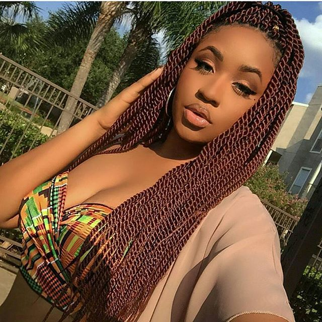 Rope life. Color 350 in kanekalon hair @kellechie #Houstontx #houston #austin #dallas #sanantonio #ropes #ropetwist #senegalesetwist #twists #braids #houstonbraids #houstontwists #naturallyshesdope #themanechoice #urbanhairpost #hair2mesmerize #kinkychicks #healthy_hair_journey #protectivestyles #thecutlife #curlbox #nhstyles #inspirehairstyles #myhaircrush #berrycurly #blackhairmag #voiceofhair #unconditionedroots #braidsgang #braidsbyguvia