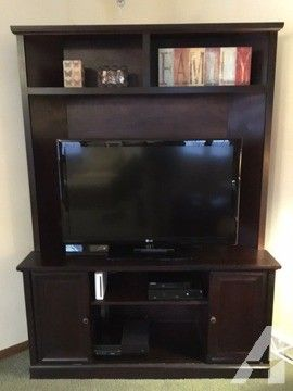 TV Stand-Corner Unit for Sale in Pittsburgh, Pennsylvania Classified | AmericanListed.com
