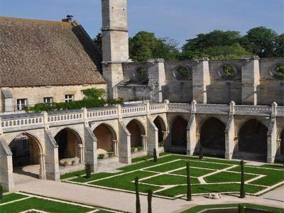 Abbaye de Royaumont tourisme dans le Val d'Oise séjour touristique Guide touristique du Val d'Oise