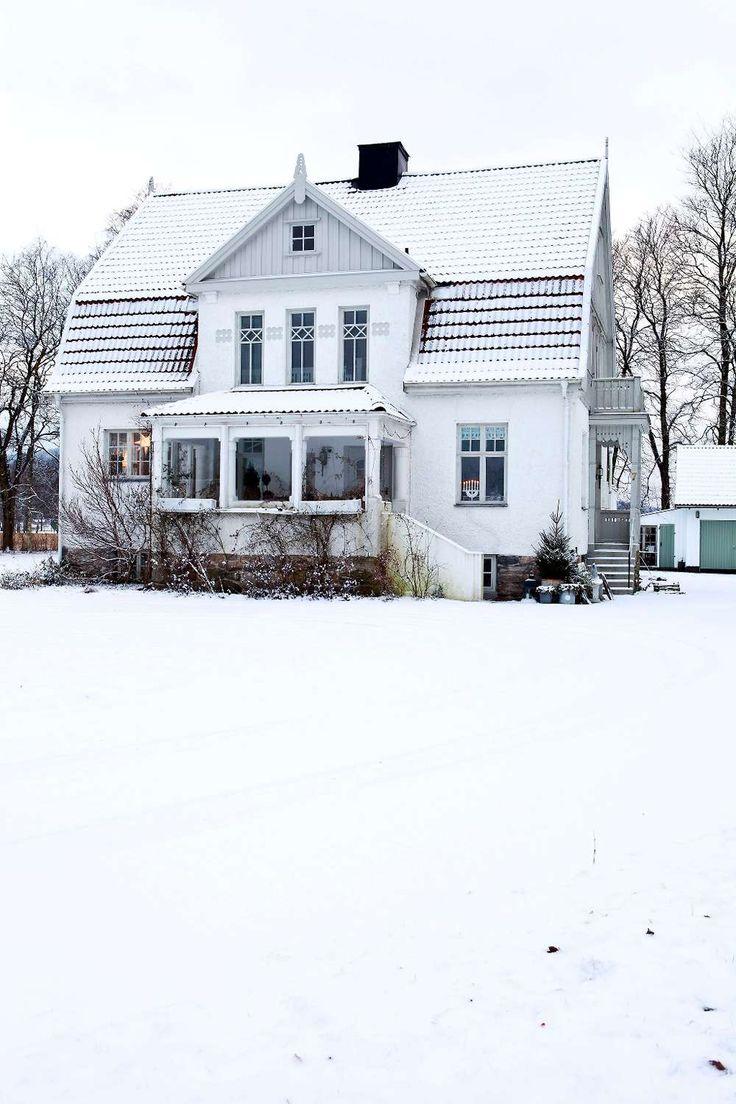 Hemma hos inredningsfotografen Marie Delice Karlsson i sekelskifteshuset i västgötska Björketorp är julen i full gång