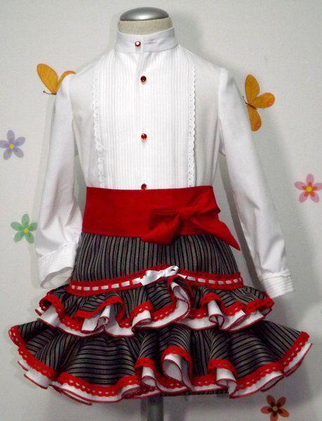 Traje campero para niña de camisa y falda. Traje de gitana flamenca para niña realizado a mano realizado a mano por nuestras propias modistas. Consulta nuestra tienda online www.mibebesito.es