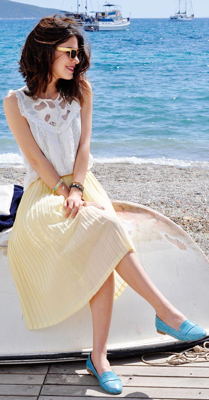 Best 20+ Pleated midi skirt ideas on Pinterest | Pleated skirt ...