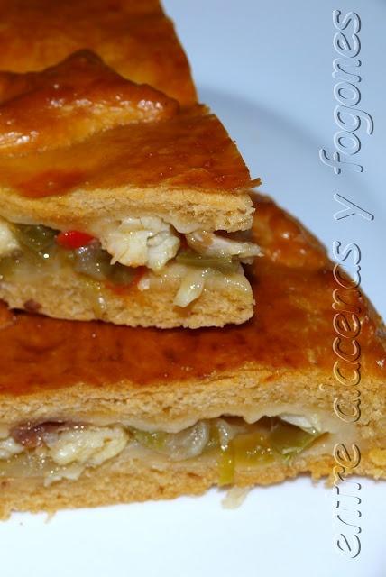 Empanada gallega de bacalao y pasa