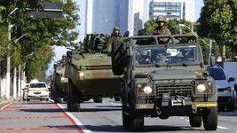 Militares nas ruas e mercados lotados no ES  (Pablo Jacob)