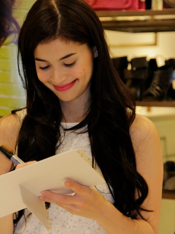 http://www.etallasa.com/2012/05/anne-curtis-meet-and-greet.html