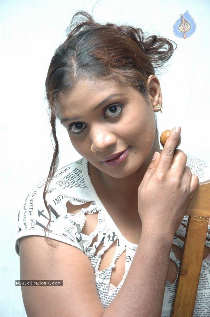 mallika aunty hot images