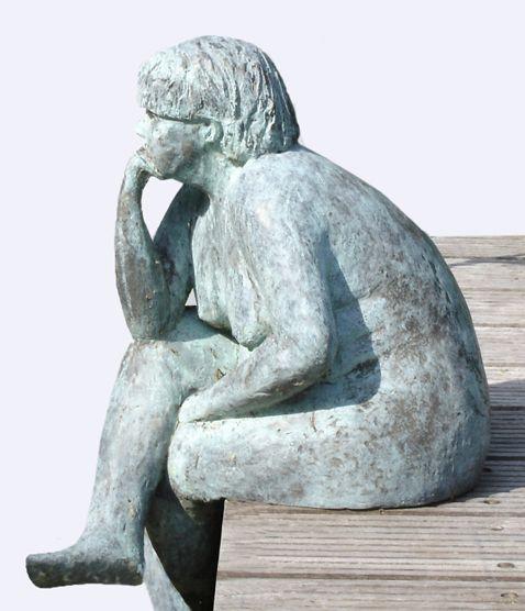 De denkster Bronzenbeeld geïnspireerd door 'de Denker' van Rodin, gezien in het museum in Parijs. Wilfrie Linsen