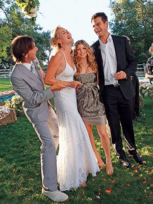 Love this dress! Jerry O'Connell + Rebecca Romijn #celebrity #wedding