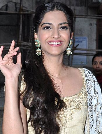 indian hair styles for 17 best images about beautiful sonam kapoor on 3477