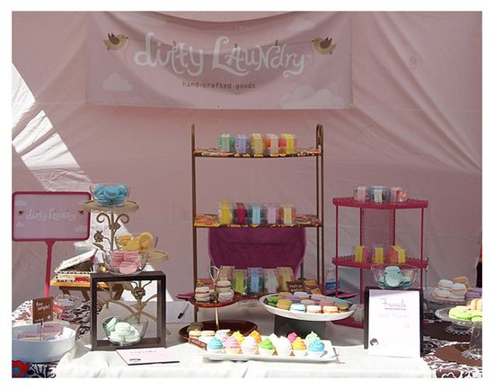 TONS of great craft fair tips and tricks! and btw this gal's blog and cupcake bath fizzies are adorable.