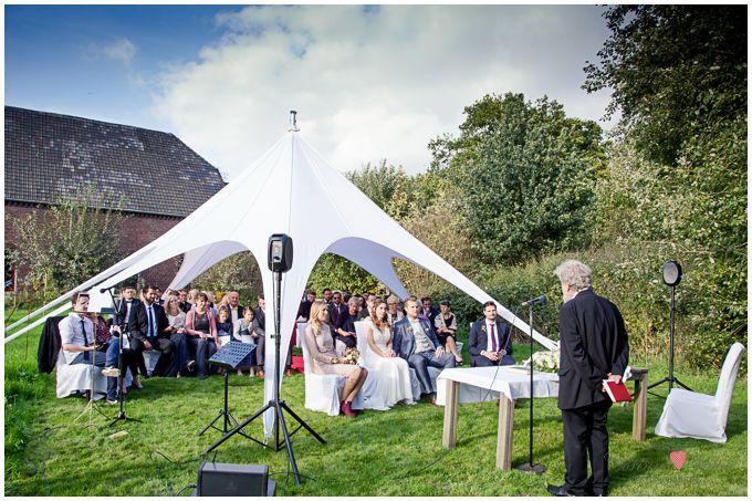 Das War Eine Wunderschone Trauung Unterm Sternenzelt Auf Dem Gut Krusshof In Krefeld Hochzeitsfotos Trauung Hochzeitsfotograf