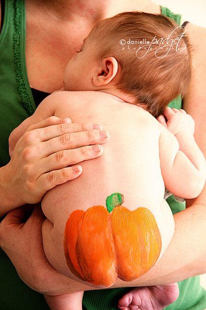 Pumpkin butt by danielle padget via flickr