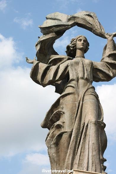 Statue in Unirea Sqaure in Iasi, Romania
