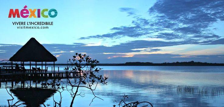 Sapete perché La Laguna di Bacalar in #Messico viene chiamata Laguna dei Sette Colori? Per capirlo dovete visitarla e scoprirete i suoi colori sorprendenti, con tonalità che vanno dal turchese chiaro al blu scuro incantevoli. #Mexico @VisitMexico