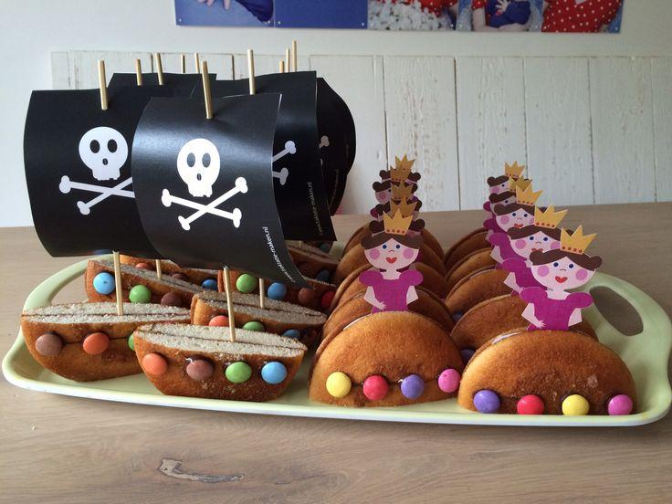 Trakteren op prinsesjes voor de meiden en piratenschepen voor de jongens, knipvellen op www.traktatiemaken.nl