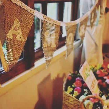 Guirnalda L o v e ~ ideal para decoraciones interiores y Exteriores, eventos o tu hogar! Se realizan diferentes palabras o motivos! #florenciarezzanodesings #guirnalda #decohogar #decoración #diydecor #craft #manualidades
