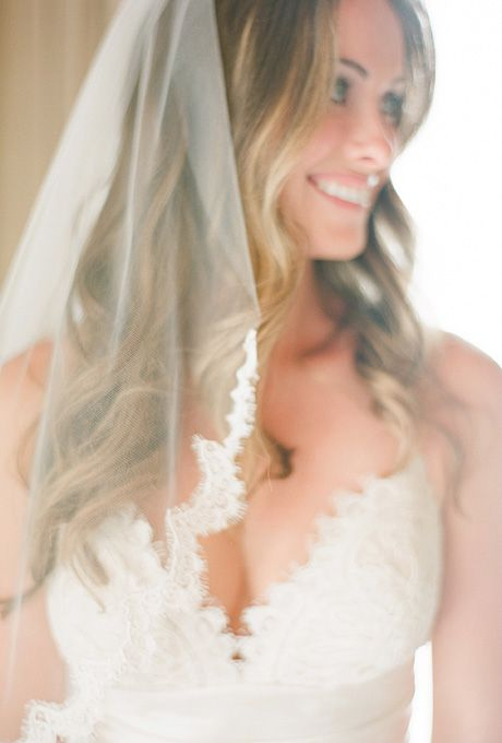 Relaxed Wavy Wedding Hairstyle