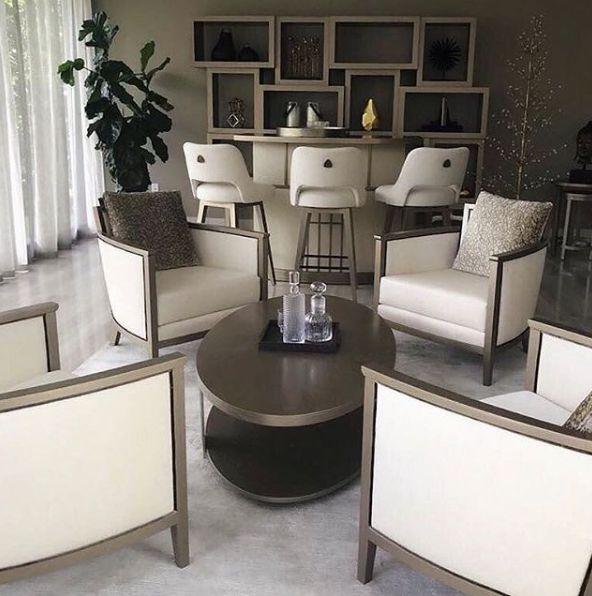 Ambientes conectados...  #deco #interiorismo #diseñointerior #decoradores #arquitectos #homedesign #instahome #decolovers #arqlovers #ciudadempresarial #adrianahoyoschile