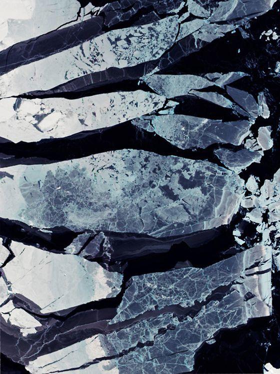 Print Inspiration mit Bezug zu Marmor, Meeresrauschen odr Wolkenformationen. Vollkommen zeitlose Material Message.