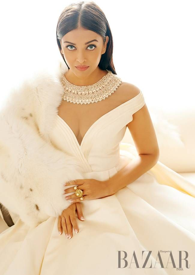 These pictures of Aishwarya Rai Bachchan from the Harper's Bazaar shoot are way too dreamy to be true!