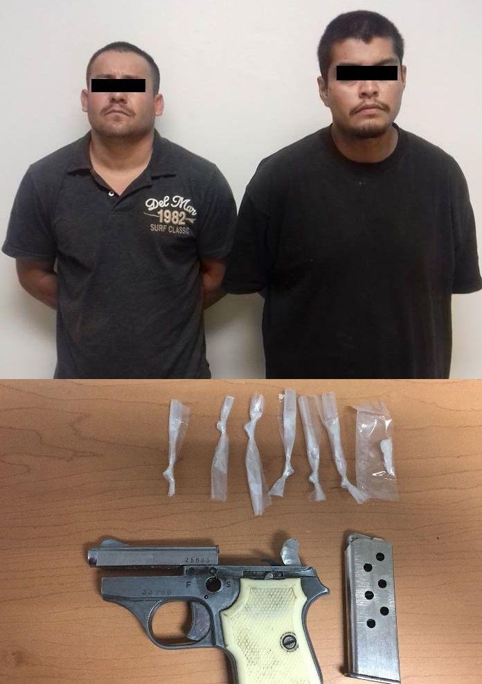 <p>Chihuahua, Chih.- Elementos de la Agencia Estatal de Investigación adscritos a la Unidad de Antinarcóticos detuvieron ayer martes, en