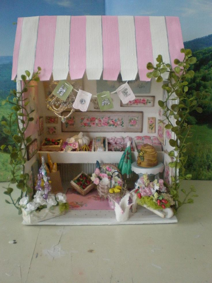 Dollhouse Miniature Flea Market Booth with by cinderellamoments. $165.00 USD, via Etsy.Miniatures House, Fleas Marketing Booths, Miniatures Dollhouse, Dollhouse Fleas, Dollhouse Bakeries, Shops Dollhouse, Dolls House, Miniatures Fleas, Dollhouse Miniatures