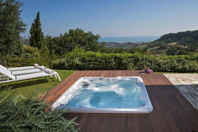 #whirlpool #seaview #marche