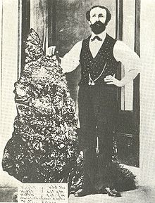 285 kg (628 lb) gold nugget unearthed in 1872 from Hill End during the Gold Rush