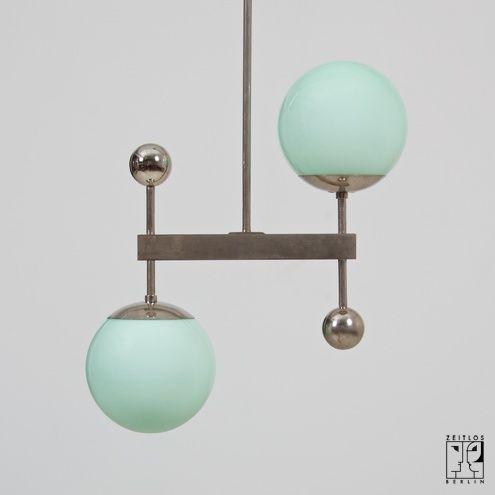 Great Lampe im Bauhaus Stil ZEITLOS u BERLIN