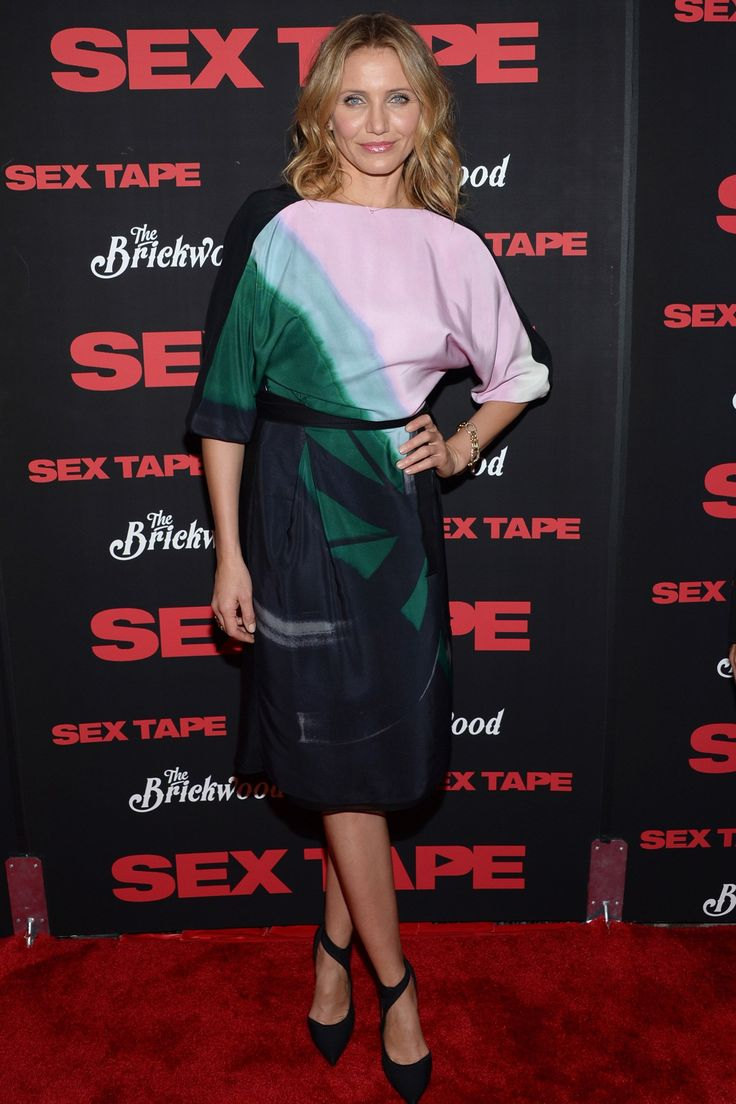 Cameron Diaz in a Vionnet dress and Balenciaga heels