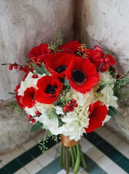 bouquet-sposa-natale-con-papaveri-rossi.jpg (452×609)