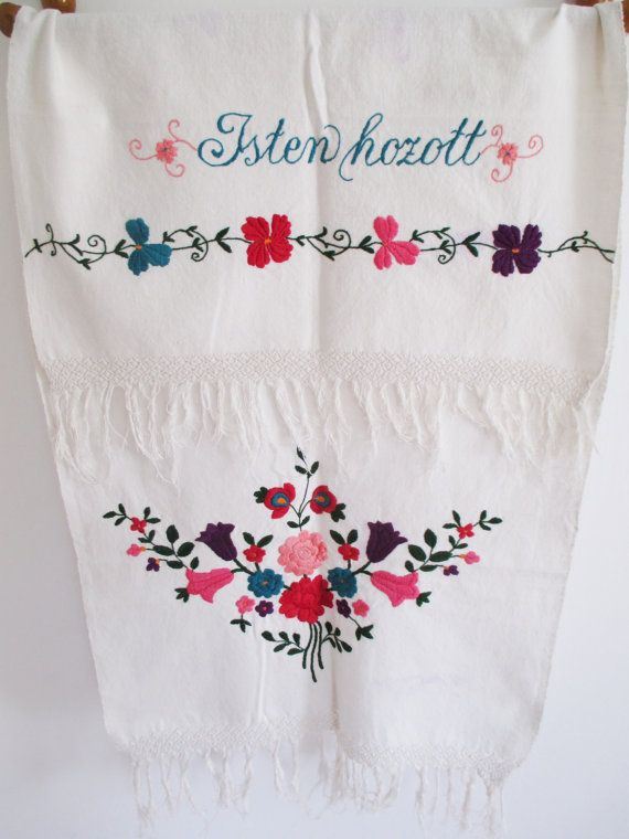 87. Vintage linen hand embroidered pure flax linen towel