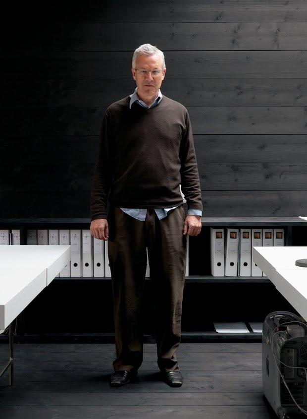 Valerio Olgiati, love the wood!