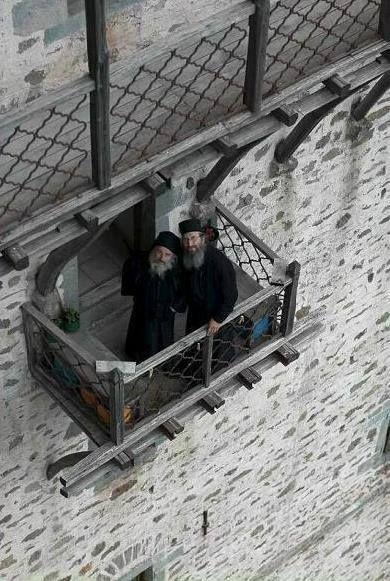 Μοναχοί της Ιεράς Μονής Σίμωνος Πέτρας στο Άγιον Όρος - Monks of the Holy Monastery of Simonopetra on Mount Athos