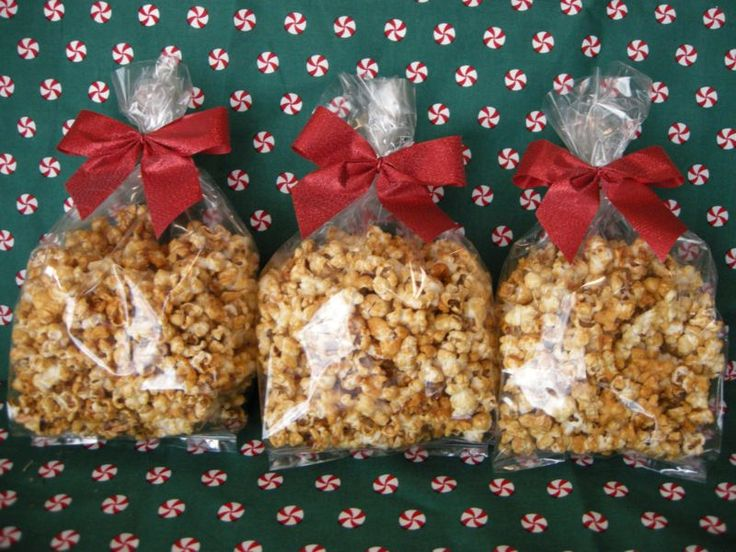 Homemade Caramel Corn from SouthernPlate! This is very easy and extremely inexpensive to make. It makes a lovely Christmas gift when packaged in a clear cellophane bag and tied with a little ribbon.
