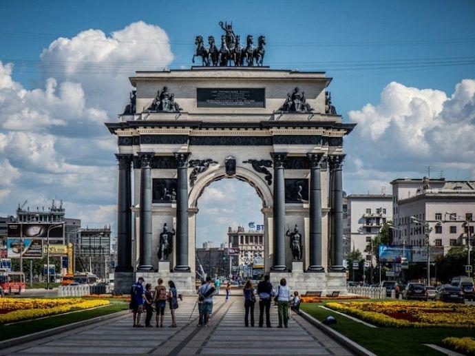 Московские уличные часы будут сверяться со спутником